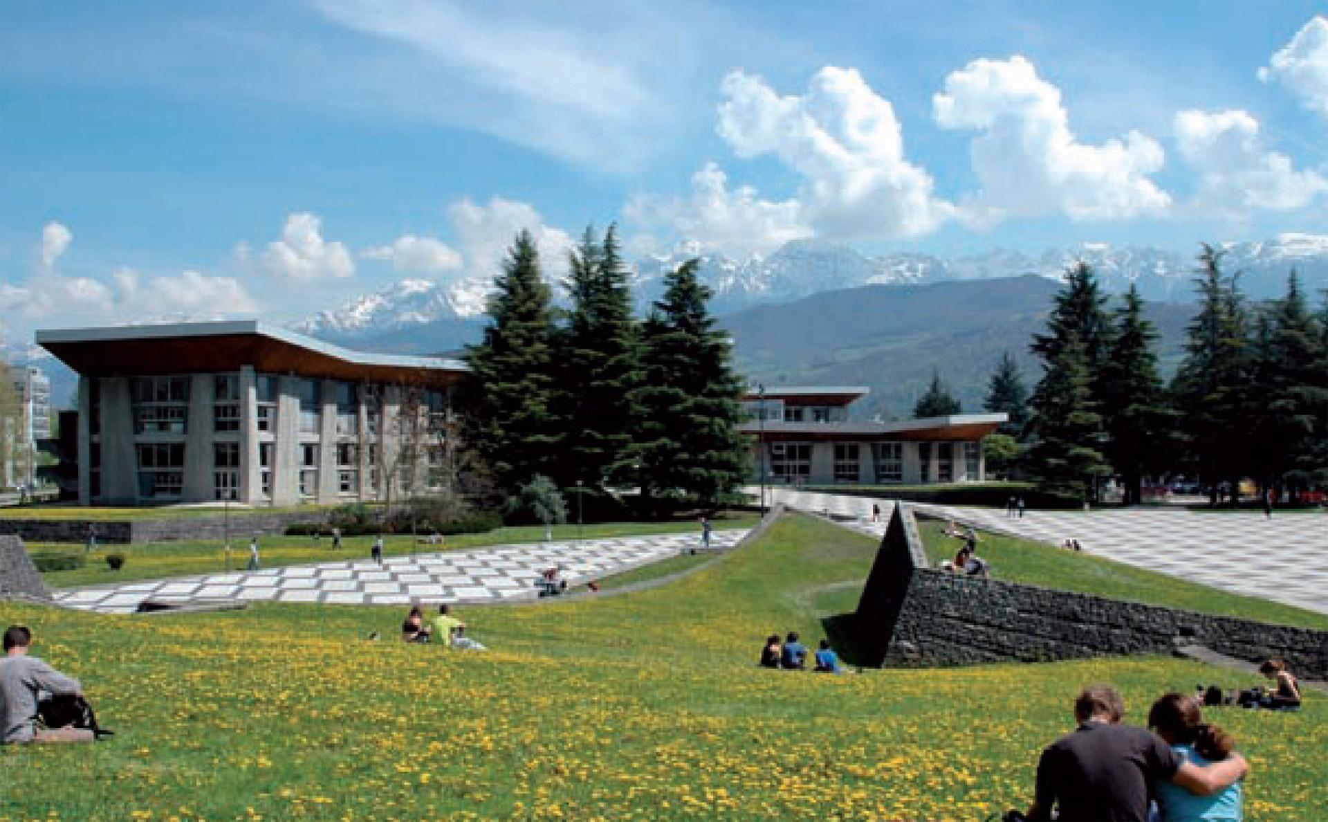 Campus-G-8